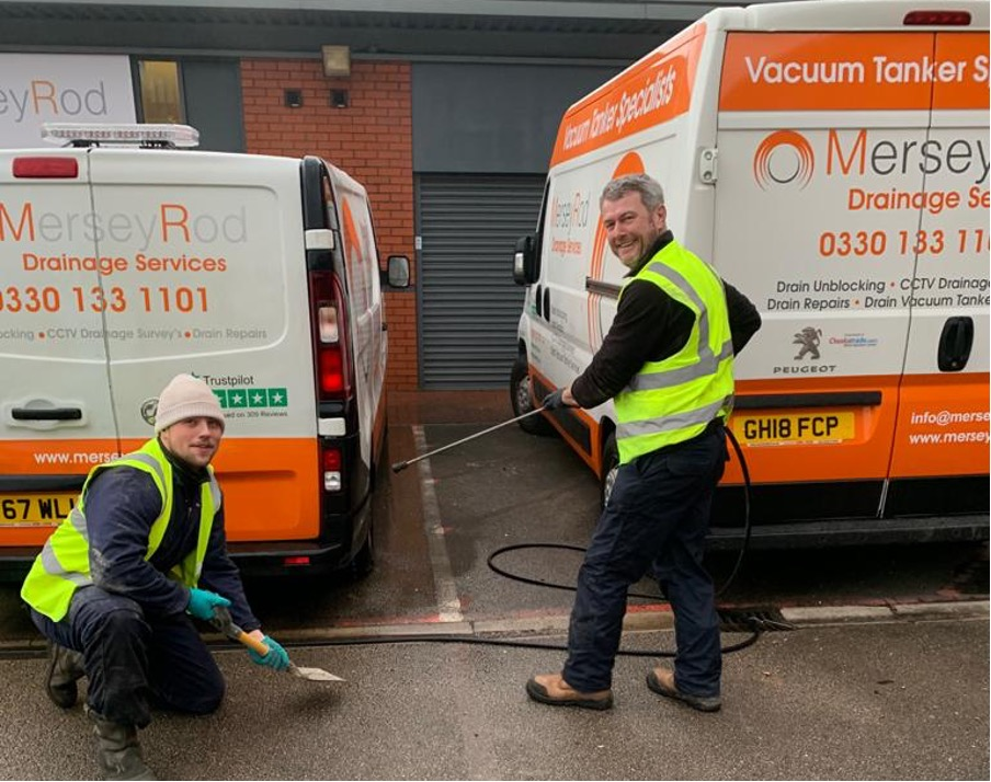 Mersey Rod at work cleaning down the vans