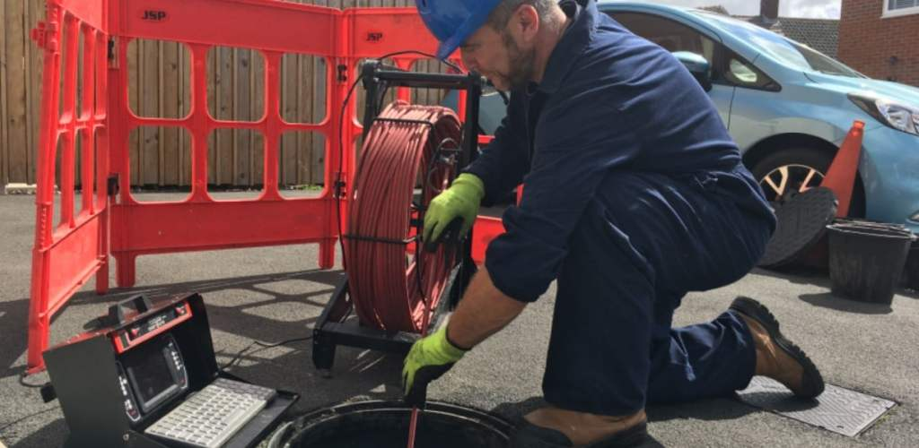 Mersey Rod engineer surveying drain for home buyers survey